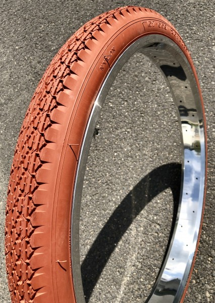 Streetking Balloon Tire 26 x 2.125 57 x 559 Clay Brick Color