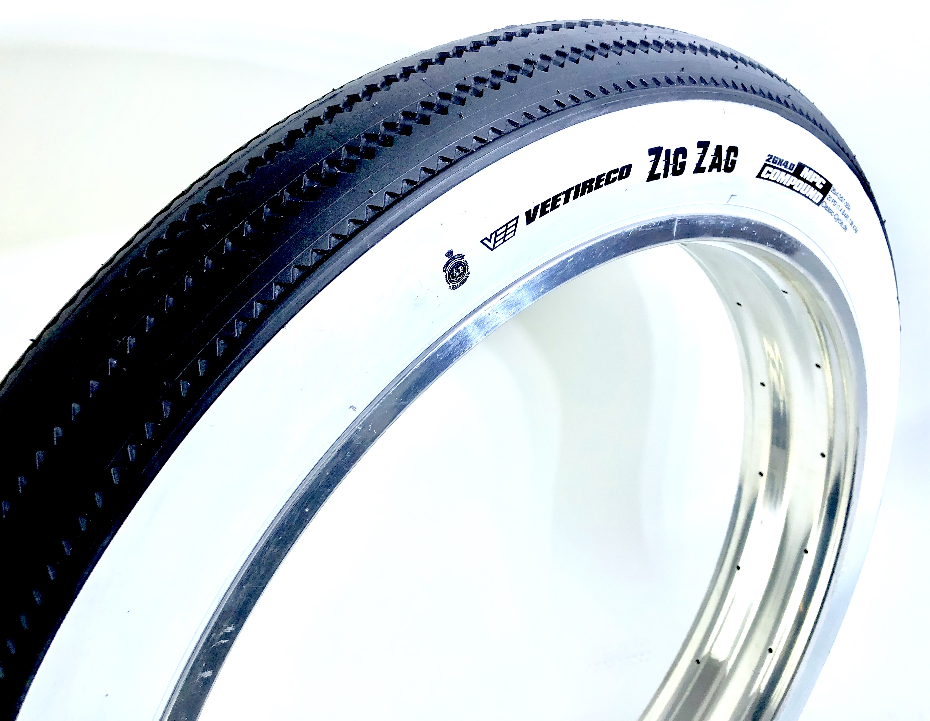 """One Bicycle Tire 20/"""" x 3.0 Whitewall or All Black Cruiser Lowrider Bikes"""