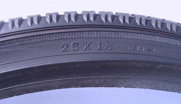 Beaded Edge Tire 26 x 1 1/2 Deestone, black