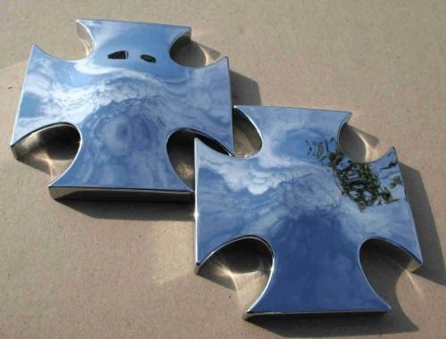 Iron / Maltese Cross Covers for Front Wheel Hub, 26T, chrome